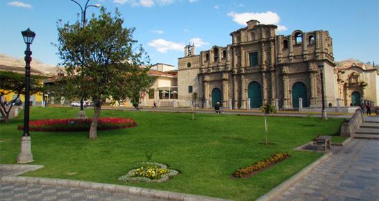 Hauptplatz in Cajamarca Peru