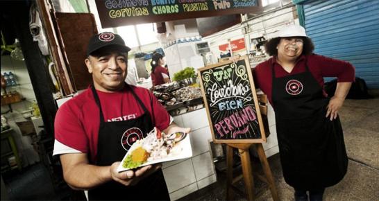 Koch aus Peru mit Ceviche