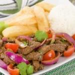 Lomo Saltado - Rindfleisch mit Gemüse und Reis